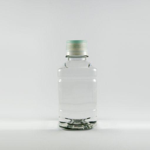 Botella de agua cuadrada