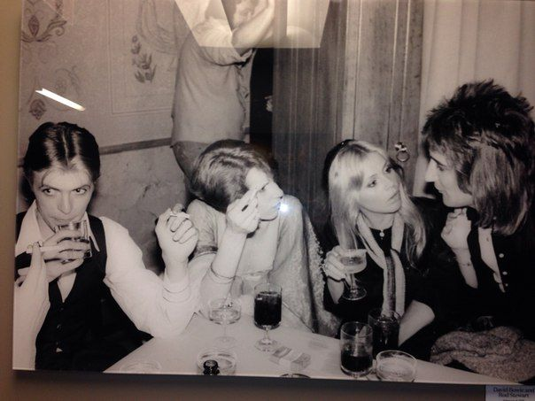 David Bowie with Angie, Britt Ekland and Rod Stewart at the Forum aftershow party, Los Angeles, 8 February