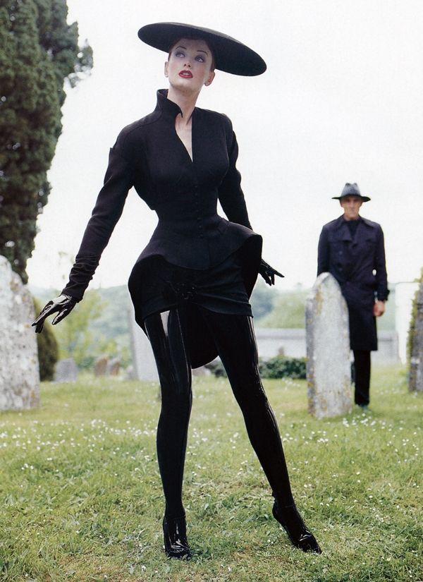 Kristen Bronson for  Thierry Mugler♥  ♥ ✿ Ophelia Ryan✿♥