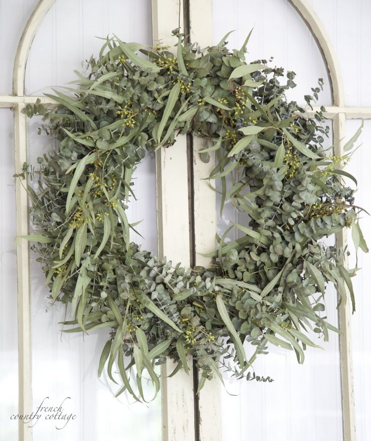 FRENCH COUNTRY COTTAGE: Fresh Eucalyptus WreathDoors Wreaths, French Country Cottages, Green Cottages, Eucalyptus Wreaths, Fresh Wreaths, Kransen Wreaths