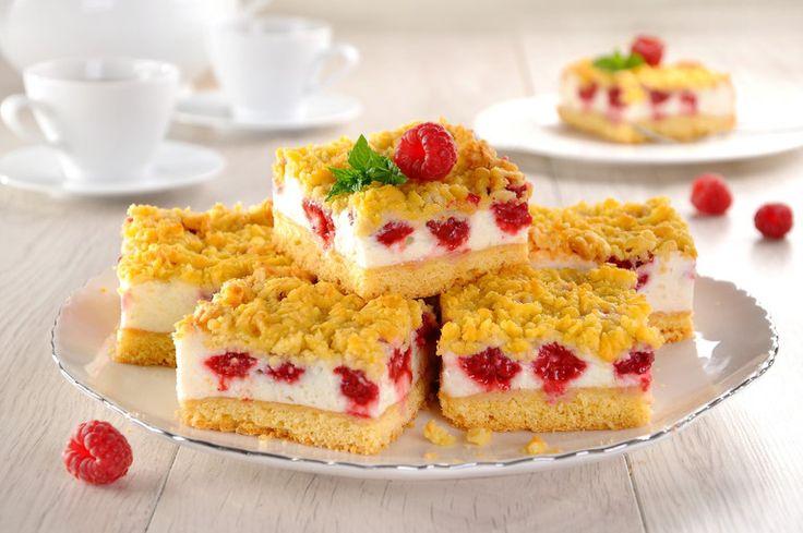 Przepis na Kruche ciasto z budyniową pianką i owocami
