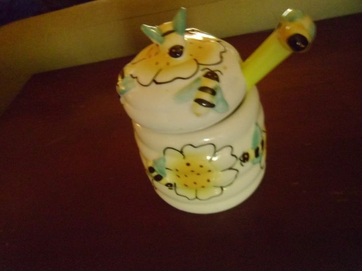 Ceramic Bumble Bee Honey Pot