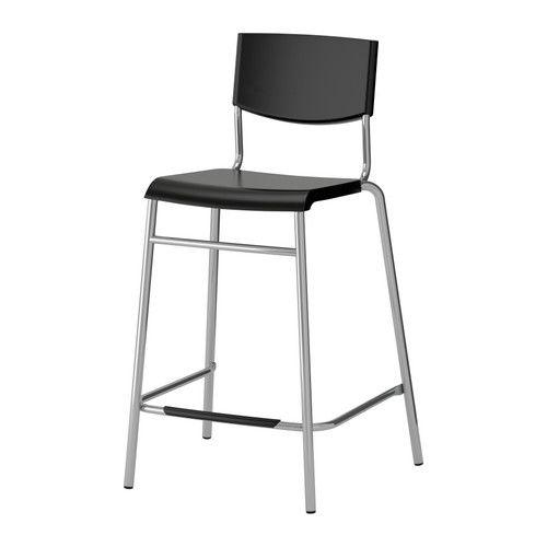 STIG Barkruk met rugleuning IKEA De kruk is stapelbaar en neemt dus minder plaats in als hij niet wordt gebruikt