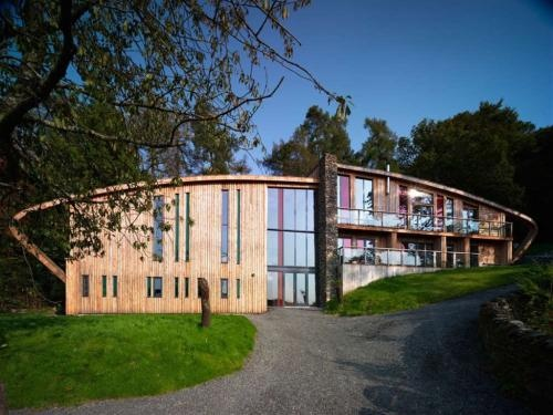 Dome House - Grand Designs, The Lake District- book to stay!!!