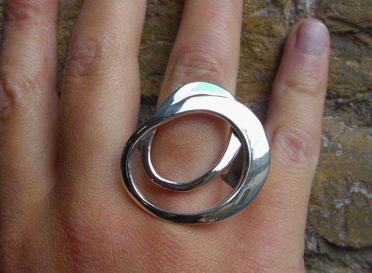 Zilveren ring -  Mlus edelsmid - Marloes Bosma https://www.facebook.com/mlusedelsmid