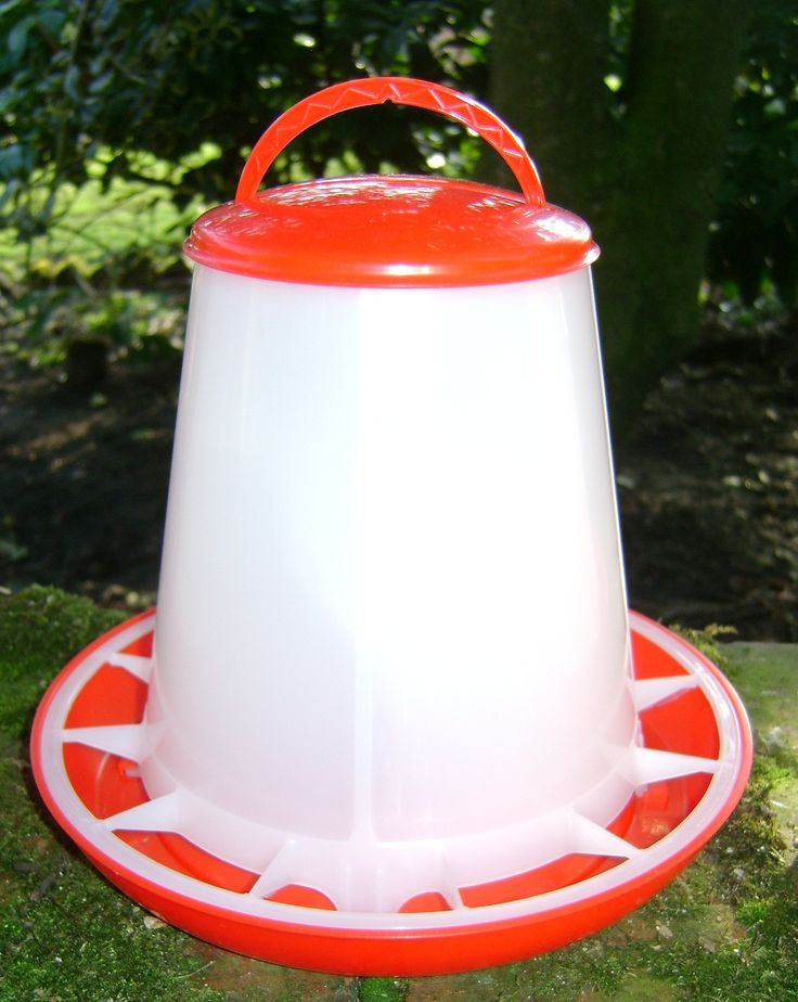 CHICK FEEDER 1KG Ideal for chicks from newly hatched onwards. Not recommended for adult birds.