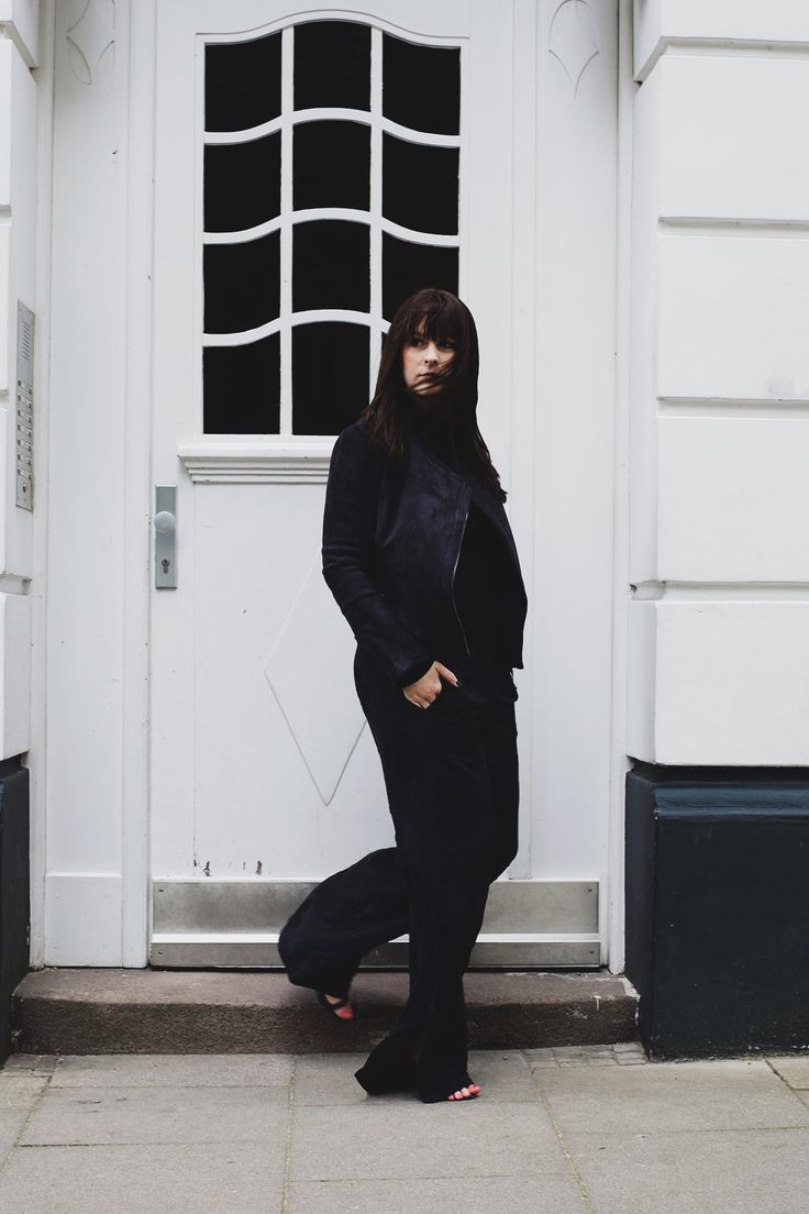 anna frost fashionblogger hamburg fafine all black outfit