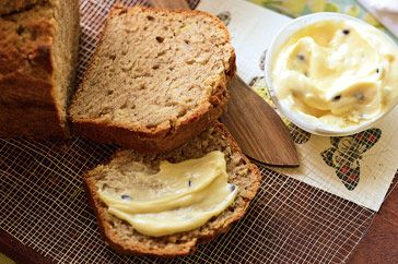 Banana bread with passionfruit butterYummy Bananas, Yummy Food, Classic Bananas, Banana Bread, Breakfast Food, Easy Bananas, Breads Baskets, Bananas Breads, Food Drinks