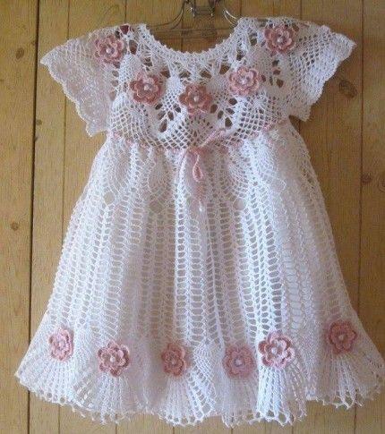 En la página se encuentral los esquemas. Dress for girls with Pink flowers - Free Crochet Diagram