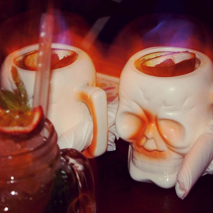 These #cocktails are on fire! #escapologist #citysocializer #meetpeople #makefriends #socialnetwork #membersclub #community #friends #newfriends #apps #startup #startups #networking #Londonstartups #escapologistbar #london #travel #food #drinks #bankholiday