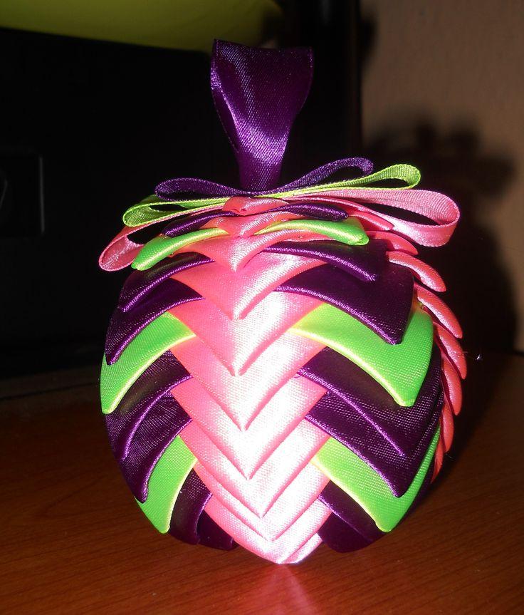Bauble ribbon / Bombka wstążkowa
