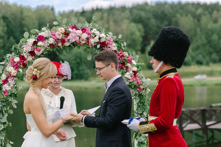 Свадебная церемония, выездная регистрация, выездная церемония, британская свадьба, свадебная арка, королева, Wedding ceremony, exit registration, exit ceremony, British wedding, wedding arch, queen