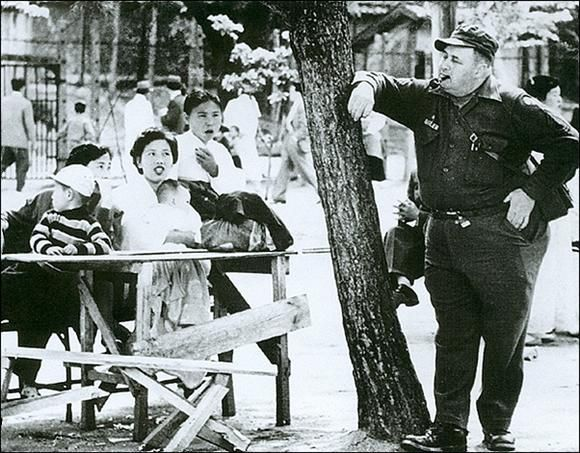 1957, Seoul, by Yi, Hyeong-rok