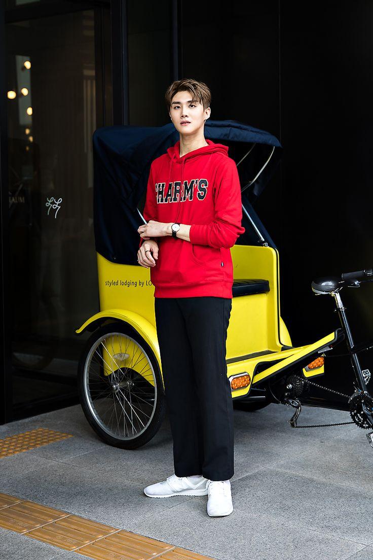 Shin Jaehyuk, Street Fashion 2017 in Seoul