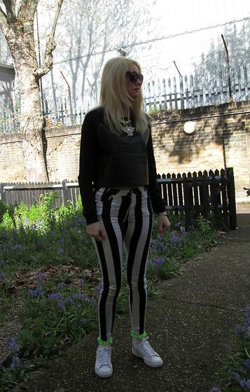 Get this look: http://lb.nu/look/8195069  More looks by Roxanne Rokii: http://lb.nu/roxannerokii  Items in this look:  H&M Black Sunglasses 2016, H&M B Lack Moc Croc Leather Pu Crop Jumper 2016, Motel Black And White Stripe Jordan Jeans C2011, Club Rox Green Pom Pom Trim Socks 2015, Rokii Necklace 2015, Adidas Stan Smith Iridescent 03.2016   #rokii #roxm #fashion #clothing #style #look #stylist #ootd #mystyle