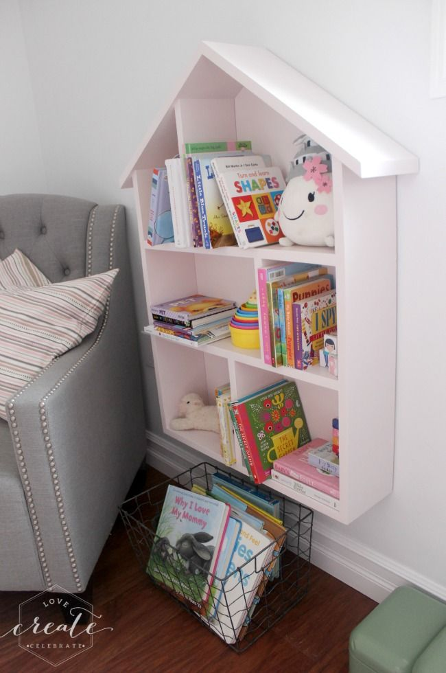Love this little house bookshelf for a kids bedroom :) Design plans included!