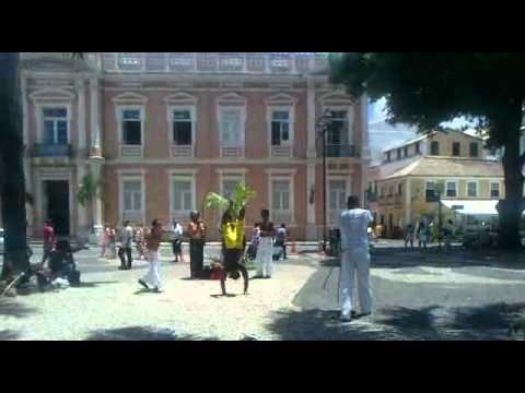 Exibiçao de Capoeira.