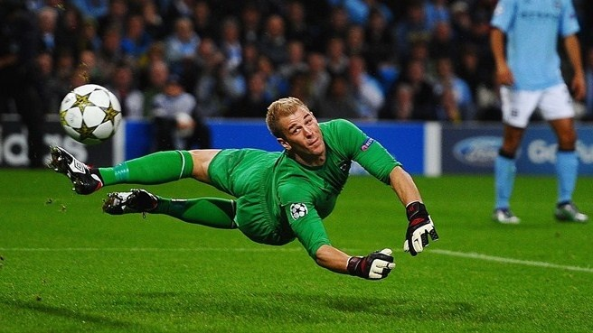 Joe Hart makes remarkable saves for Man. City in the match against B. Dortmund