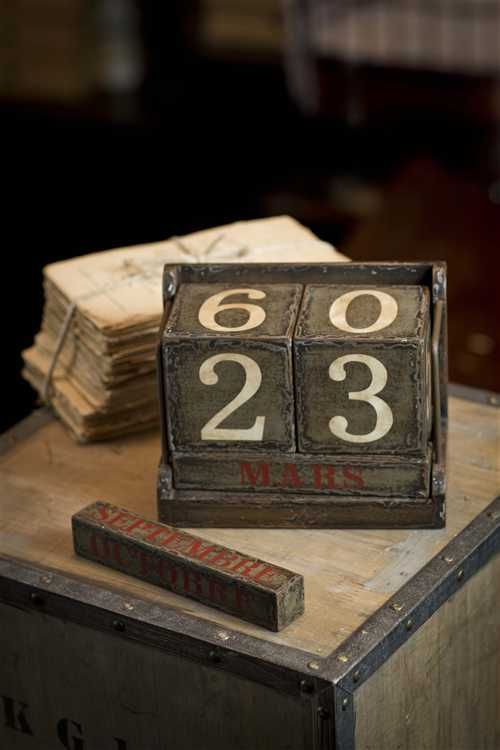 Wooden Perpetual Calendar in French or English by Vagabond Vintage