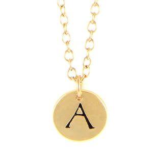 Ettika - håndlaget smykke fra Los Angeles, California. Delikat smykke laget i 18kt gullbelagt tinn. Smykkets totale lengde er 42 cm og finnes i hele alfabetet!