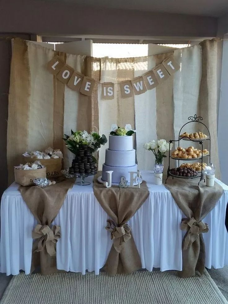 Country Rustic Wedding Decoration Ideas with Tree Stumps #weddingdecor #rusticweddingideas #weddingideas » aesthetecurator.com