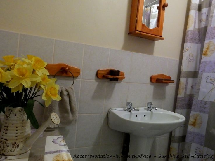 Bathroom at Sunshine Self Catering. http://www.accommodation-in-southafrica.co.za/Mpumalanga/Nelspruit/SunshineSelfCatering.aspx