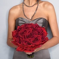 grey/red combo for bouquet and bridesmaids dresses