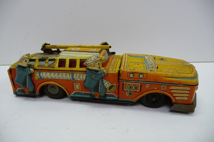 Antique Tin litho Toy Firetruck Firemen Japan F.D
