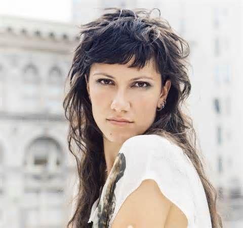 Ad #amici la cantante #elisa  racconta la sua avventura