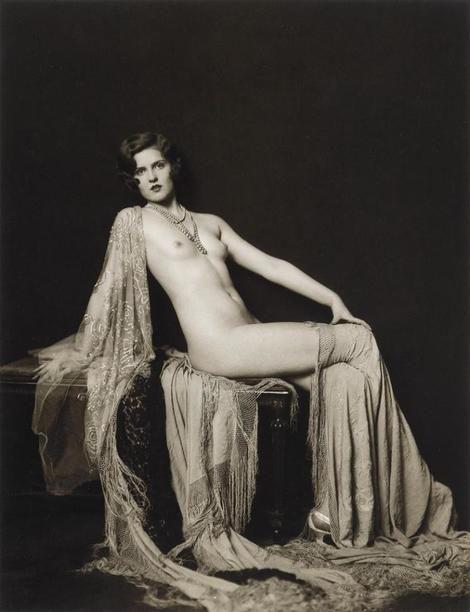 Alfred Cheney Johnston, Model reclining (Ann Smith). on ArtStack #alfred-cheney-johnston #art