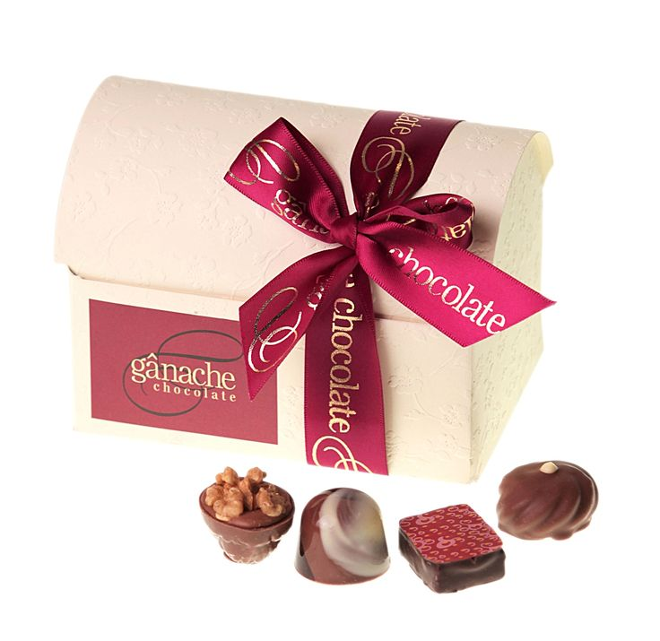 Treasure Chest - 20 Piece Delightful Treasure Chest with 20 of our finest handmade chocolates inside $42.00 http://www.ganache.com.au/chocolate-boxes/treasure-chest-20-pralines-en.html