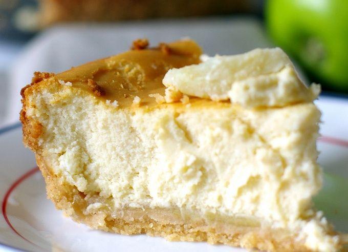 Яблочный чизкейк в мультиварке