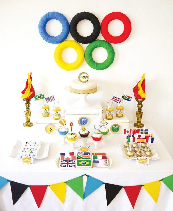Com direito a cookies, barrinhas de cereal, bebidas, cake pops e cupcakes temáticos, a decor de hoje está super esportiva, em clima das Olimpíadas… Ótima pedida para festas infantis, já que o tema permite uma decoração bem alegre e colorida!Saca só: Imagens: Hostess Gostaram da decor? Já tinham visto algo semelhante? Os esportes são a …