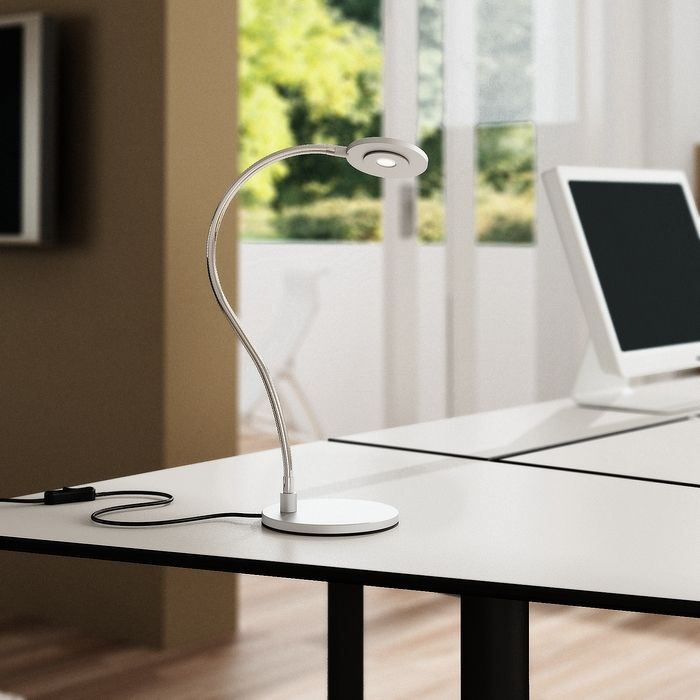 CATCH | rendl light studio | High-powered LED desk lamp with an adjustable arm. Consumes approximately 90% less energy than lamps with traditional light bulbs - Saves both energy and room on your desk. #lamp #table #design