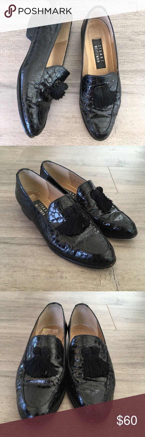 STUART WEITZMAN ~ patent leather tassel loafers STUART WEITZMAN ~  Stuart WEITZMAN brand  Black leather loafers  Animal embossed print  Tassel front  Black flats  Vintage loafers  Size 6  Pre owned great vintage condition Stuart Weitzman Shoes Flats & Loafers #stuartweitzmanloafers