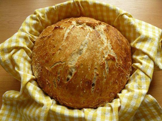 Recept na Domácí křupavý chléb z kategorie snadno a rychle, pro začátečníky, vegetariánské:  1 hrnek žitné chlebové mouky, 3 hrnky hladké pšeničné ...