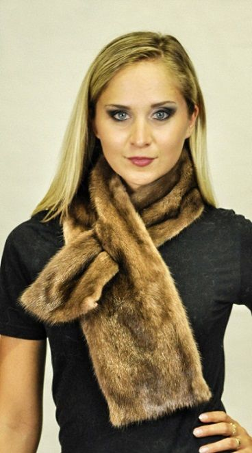 Elegant Scandinavian mink fur scarf. Each of our fur scarves is handmade in Italy. Best quality materials, Handmade fur scarf.  www.amifur.co.uk - Made in Italy.