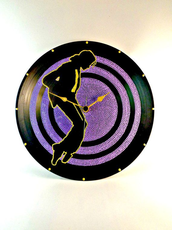 Michael Jackson Moonwalk Vinyl Clock Upcycled by InsaneDotting