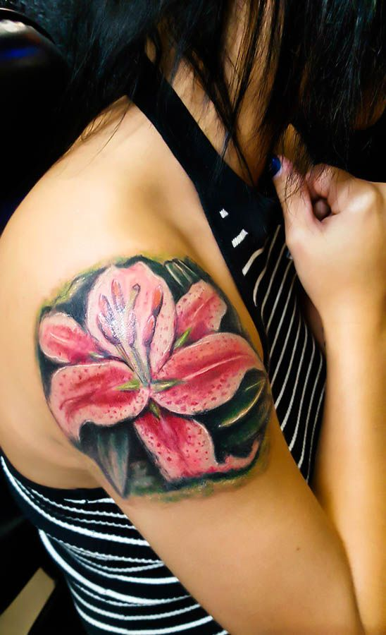 Lily Flower Painterly look was going for. #flower #flowertattoo #lily #tattoo #art