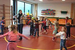 OBS PWA is gestart met de leerlijn dansexpressie van Dramacoach. Een schoolbreed programma waarbij alle leerlingen een gastles krijgen van een professioneel docent. Daarna ontvangen de leerkrachten uitgeschreven lessen en gaan ze zelf verder aan de slag.