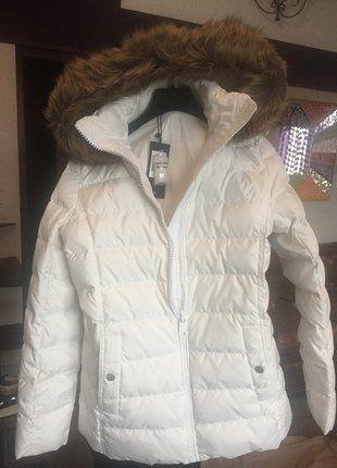 À vendre sur #vintedfrance ! http://www.vinted.fr/mode-femmes/doudounes/26094704-doudoune-tommy-hilfinger