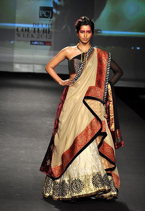 Anju Modi http://www.anjumodi.com/ @ Delhi #Couture Week 2012