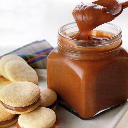 Como fazer doce de leite caseiro. O doce de leite é uma sobremesa tradicional dos países da América Latina, é espesso e tem uma textura parecida à do mingau. É uma espécie de leite caramelizado e é utilizado para complementar outras s...
