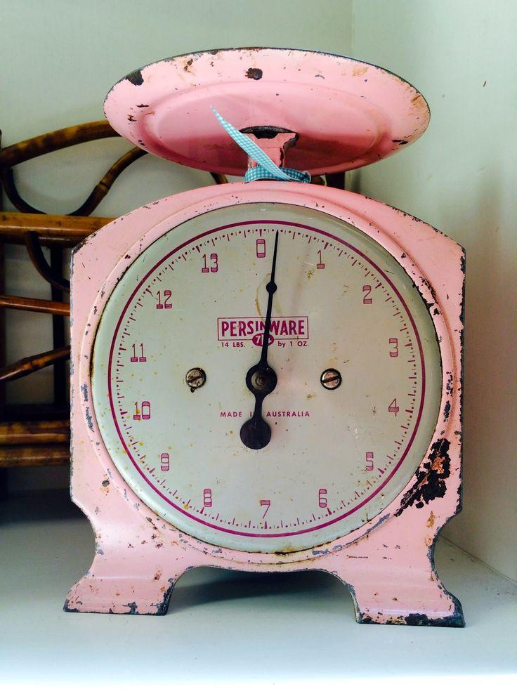 Vintage P!ñK Scale                                                                                                            ✮∙ẗℍ!йḲᖮℕ∙¶!ℼḰ∙✮