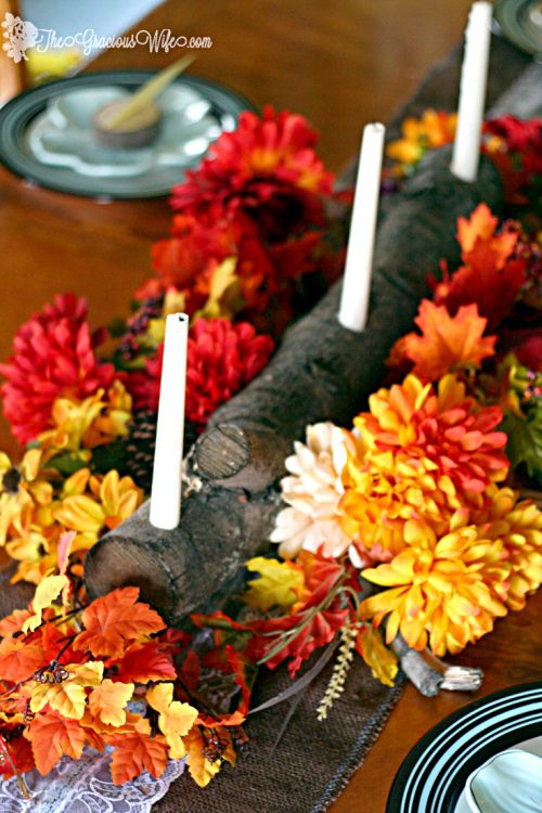 Rustic Thanksgiving Tablescape - Make your Thanksgiving table super special with these rustic DIY Thanksgiving table decorations for your home. Plus DIY wood slice place cards. Love it!