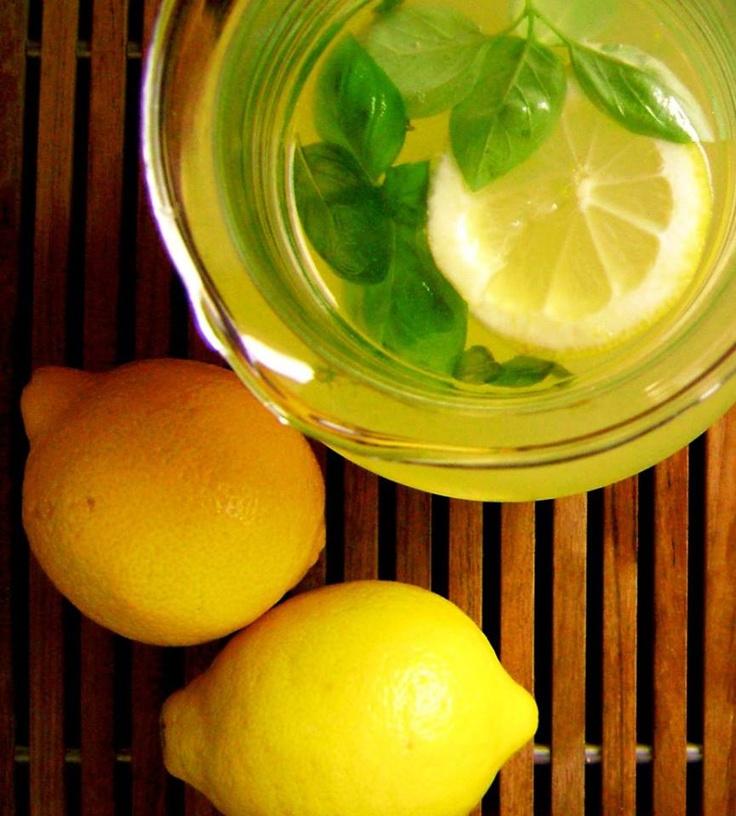 Kết quả hình ảnh cho Homemade Lemonade to Quickly Make Your Body Alkaline