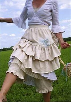 vintage apronsKitchens, Farms Girls, Cottages Style, Fashion, Skirts, Vintage Aprons, Gardens, Ruffles Aprons, Farm Girls