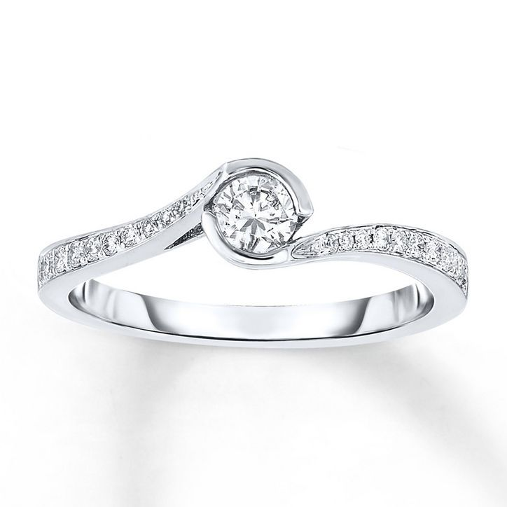 24 Under 1 000 Engagement Rings