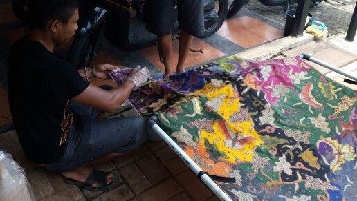 Finishing batik colouring