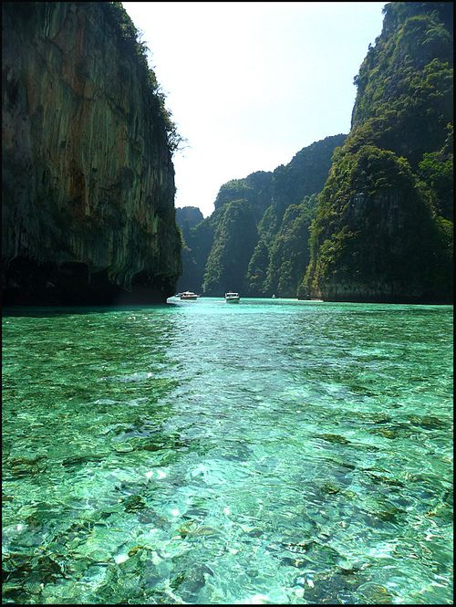 Phi Phi Islands - Thailand (by ninin 50)